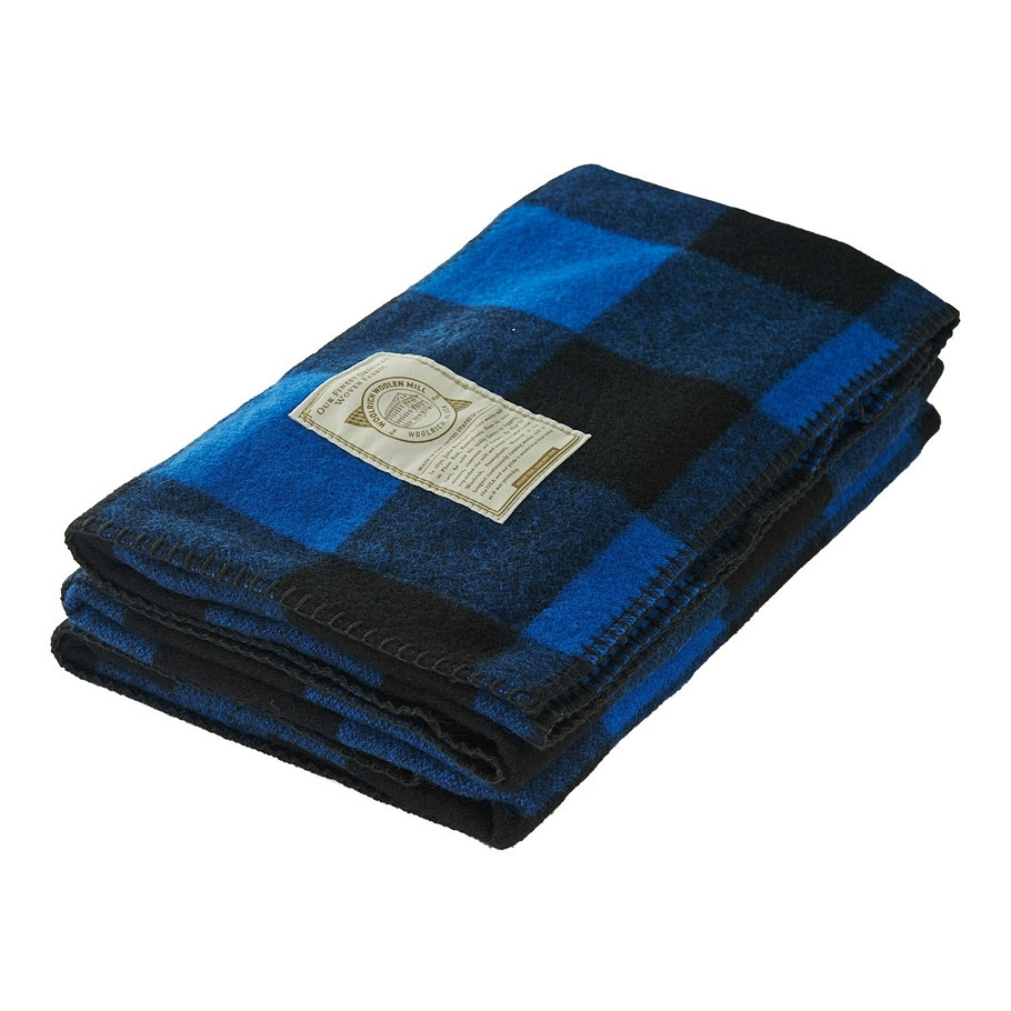 item-of-the-week-woolrich-buffalo-check-throw-blue