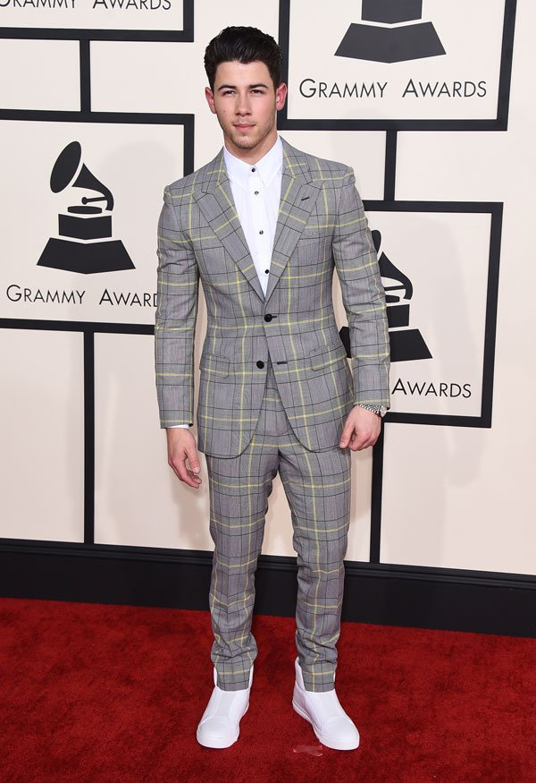 nick-jonas-2015-grammy-arrivals